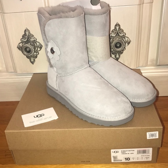 UGG Kids Bailey Button Poppy Boot
